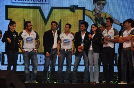 Sonu Sood CCL Season 2 Curtain Raiser !!