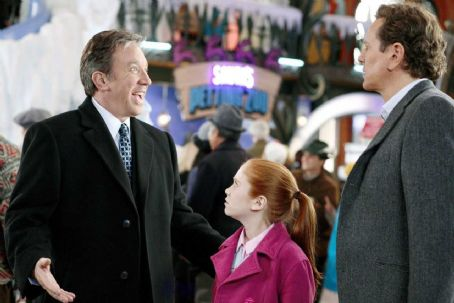 Liliana Mumy (L-R) Tim Allen, , Judge Reinhold. Photo credit: Joseph Lederer © Disney Enterprises, Inc. All rights reserved.