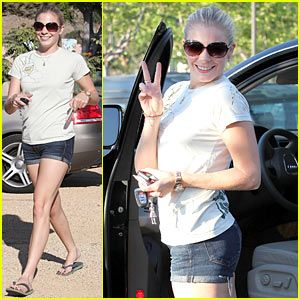 LeAnn Rimes Gives Peace A Chance