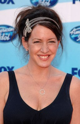 Joely Fisher American Idol Grand Finale 2009