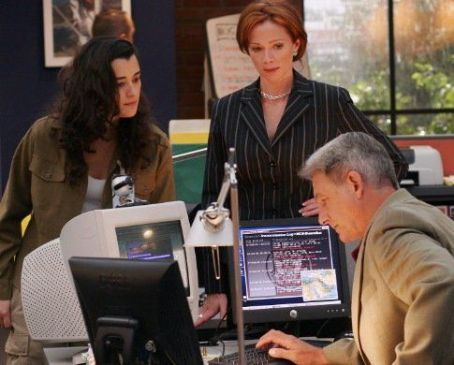 "Mark Harmon and Lauren Holly - ""Navy NCIS: Naval Criminal Investigative Service"" (2003)"
