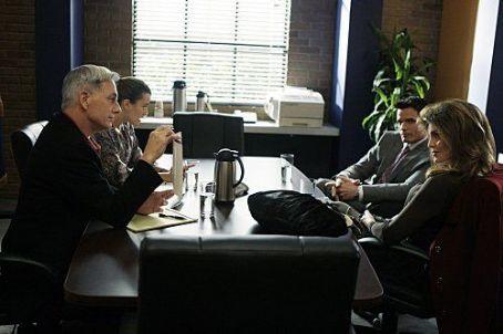 "Tracy Scoggins ""Navy NCIS: Naval Criminal Investigative Service"" (2003)"