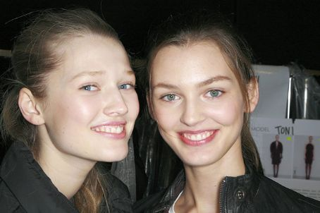 Ali Stephens With Toni Garrn