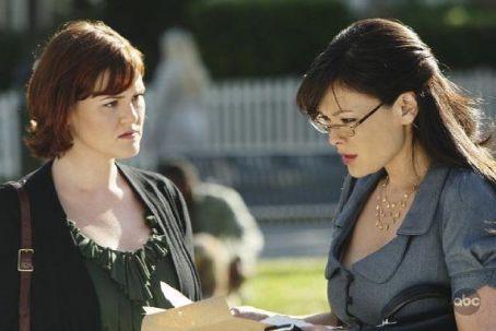 """Sara Rue """"Eastwick"""" (2009)"""
