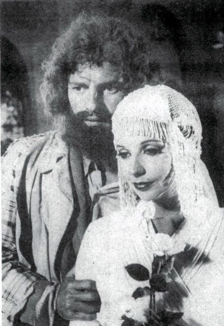Maria Isabel de Lizandra  and Ênio Gonçalves